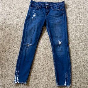 Zara 1975 distressed skinny jeans size 4